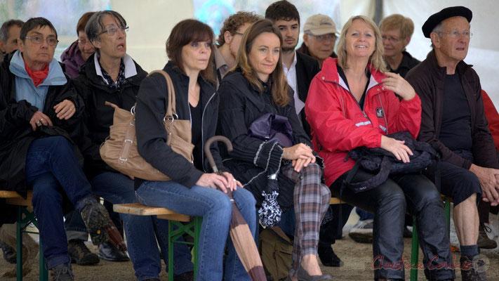 """""""Les randoneurs-Choraleurs tentent de se sécher"""", Festival JAZZ360 2012, Quinsac, dimanche 10 juin 2012"""