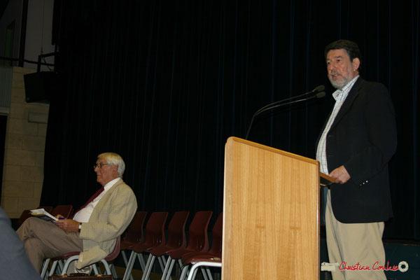 Guy Georges, secrétaire général du SNI-PEGC; Alain Anziani, Sénateur de la Gironde. Lancement officiel de l'opération nationale Arbres de la Laïcité. Créon, 19/06/2010