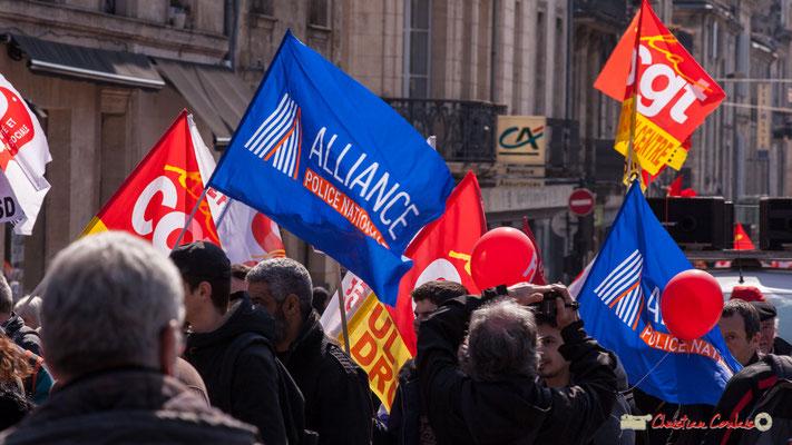 14h17 Alliance Police nationale. Manifestation intersyndicale de la Fonction publique/cheminots/retraités/étudiants, place Gambetta, Bordeaux. 22/03/2018