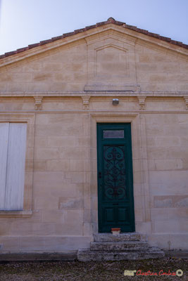 Entrée de l'ancienne école des filles, avenue de Moutille, Cénac, Gironde. 16/10/2017