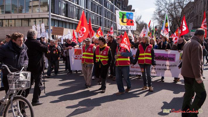 13h57 Le cortège redémarre. Manifestation intersyndicale de la Fonction publique/cheminots/retraités/étudiants, cours d'Albert, Bordeaux. 22/03/2018