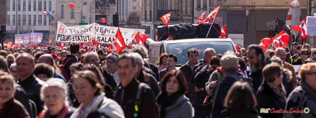 14h35 Force Ouvrière arrive. Manifestation intersyndicale de la Fonction publique/cheminots/retraités/étudiants, place Gambetta, Bordeaux. 22/03/2018