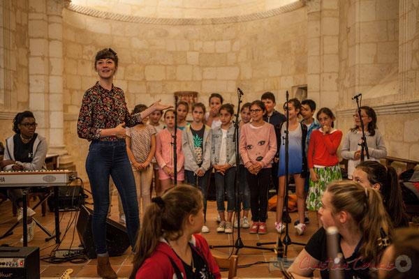 Caroline Turtaut et les élèves du TAP de l'école primaire de Cénac. Eglise Saint-André de Cénac