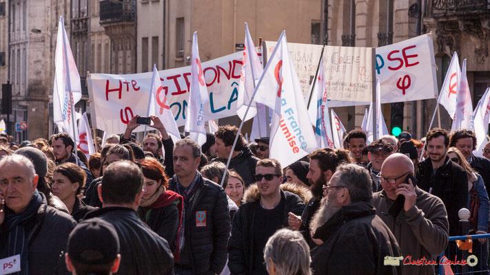 """15h06 Haute-Gironde insoumise """"On lâche rien"""". Manifestation intersyndicale de la Fonction publique/cheminots/retraités/étudiants, place Gambetta, Bordeaux. 22/03/2018"""