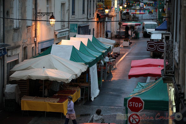 7h30, Rue Amaury de Craon, Marché de Créon, Gironde