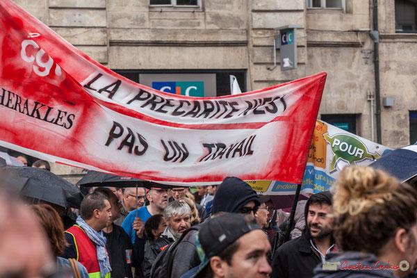 """CGT Herakles """"La précarité n'est pas un  travail"""" Manifestation contre la réforme du code du travail. Place Gambetta, Bordeaux, 12/09/2017"""