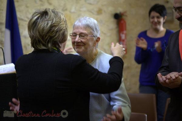 Félicitations. Françoise Cartron, Sénatrice et Suzette Grel, Chevalière de l'Ordre national du Mérite, ce 7 février 2015 à Le Pout