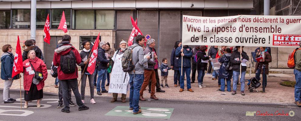 """10h23 Lutte Ouvrière """"Macron et les patrons déclarent la guerre. Vive la riposte d'ensemble de la classe ouvrière !"""" Cours d'Albret, Bordeaux. 01/05/218"""