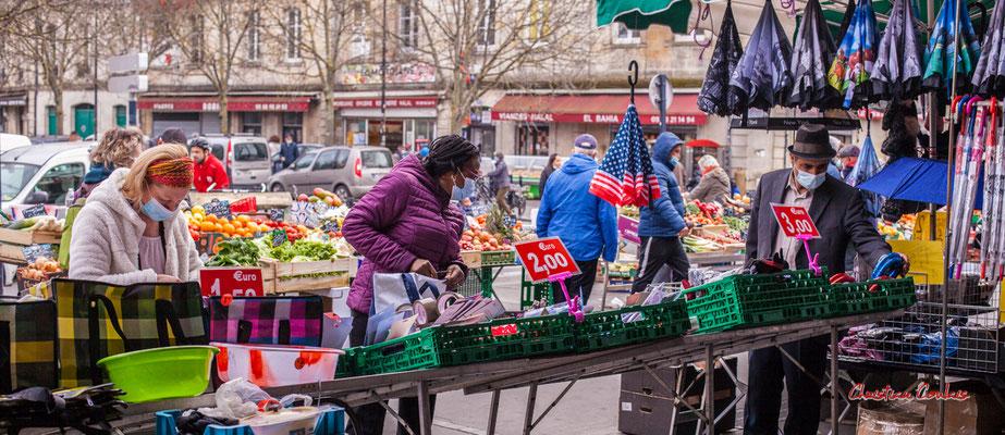 """""""Bazar"""" Marché des Capucins, Bordeaux. Samedi 6 mars 2021. Photographie © Christian Coulais"""