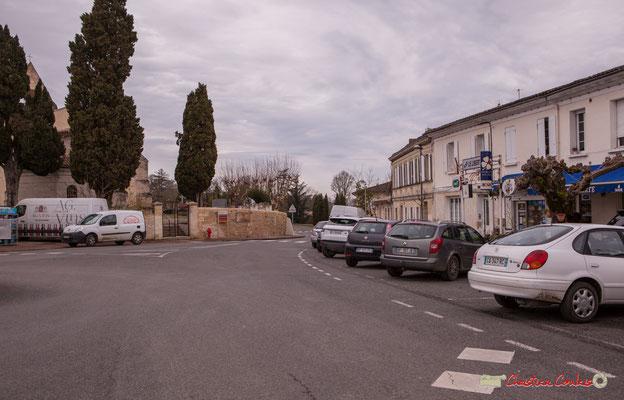 La place du bourg et le bar Le Liberté par Christian Coulais. Cénac d'aujourd'hui. 13/01/2018