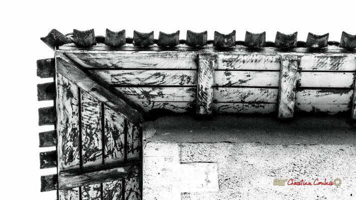 Tour du régisseur, rive simple avec chevrons dépassant, détail; Domaine de Malagar. Centre François Mauriac, Saint-Maixant. 28/09/2019 Reproduction interdite - Tous droits réservés © Christian Coulais