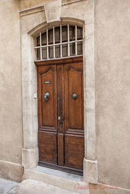 7 Porte double battant, Arles