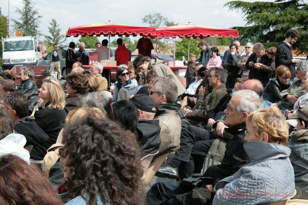 Un public à l'écoute des Ateliers Jazz des Conservatoire d'Agen, Bordeaux, Mont-de-Marsan. Festival JAZZ360 2010, Cénac. 16/05/2010