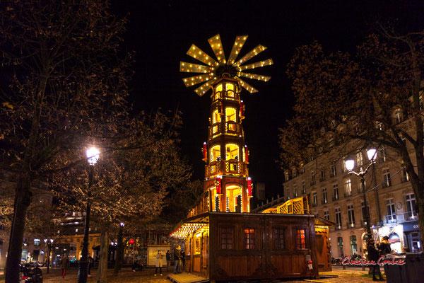 Allées de Tourny, baraque foraine, marché de Noël minimaliste pour cause de Covid-19. Mercredi 16 décembre 2020. Photographie © Christian Coulais