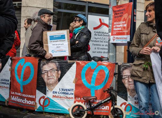 """""""Un peuple éduqué est un peuple libre"""" Manifestation du 1er mai 2017, avec la France Insoumise, cours d'Albret, Bordeaux"""