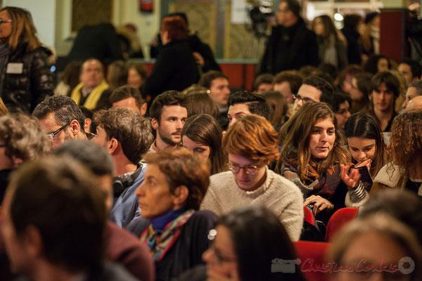 Réunion électorale de Benoît Hamon, l'accroche-cœur des jeunes...et des moins jeunes. Bordeaux #benoithamon2017