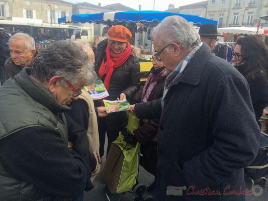 Parti socialiste : Catherine Veyssy, Vice-présidente du Conseil régional d'Aquitaine et Jean-Marie Darmian, vice-président du Conseil départemental, marché de Créon, Gironde