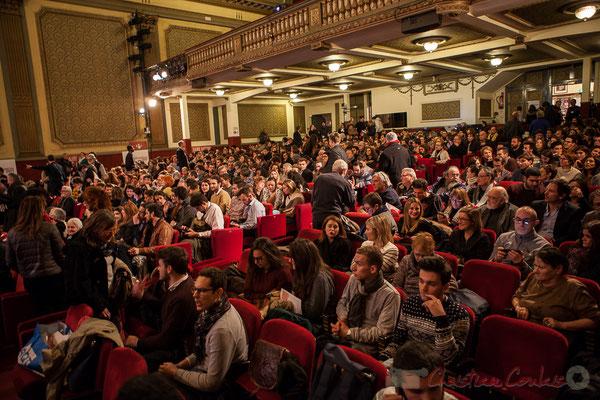 Théâtre Fémina, Bordeaux, salle de 1 200 places complète pour la soirée informative autour de Benoît Hamon.