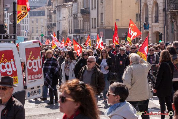 14h19 Manifestation intersyndicale de la Fonction publique/cheminots/retraités/étudiants, place Gambetta, Bordeaux. 22/03/2018