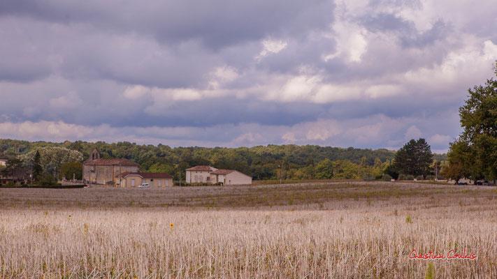 Martres et son église Saint-Pierre, XIIème siècle. De Saint-Brice à Frontenac; 7km. Ouvre la voix, samedi 4 septembre 2021. Photographie © Christian Coulais