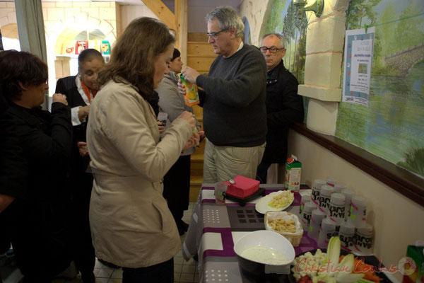Délicieux buffet maison, réalisé par les bénévoles. Epicerie solidaire, l'Annexe de la Cabane, 38, rue Amaury de Craon à Créon. 13 mars 2015
