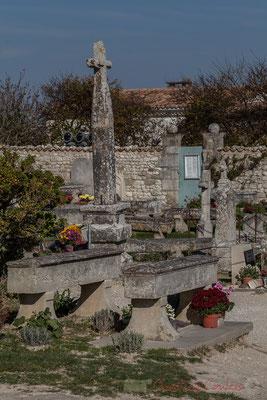 Cénotaphes, Art funéraire chrétien, Cimetière marin de Talmont-sur-Gironde