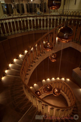 Escalier pour descendre au chai d'élevage du Château d'Yquem
