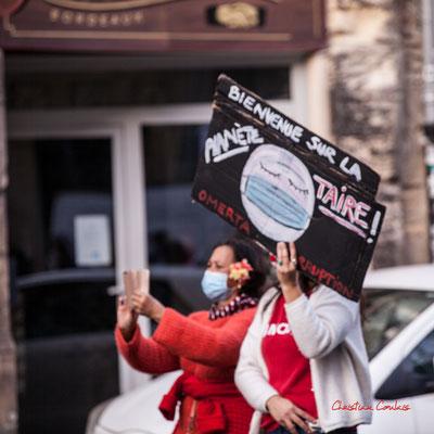 """""""Bienvenue sur la Planète-TAIRE, omerta, corruption"""" Manifestation contre la loi Sécurité globale. Samedi 28 novembre 2020, cours Victor Hugo, Bordeaux. Photographie © Christian Coulais"""
