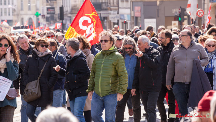 14h33 Manifestation intersyndicale de la Fonction publique/cheminots/retraités/étudiants, place Gambetta, Bordeaux. 22/03/2018