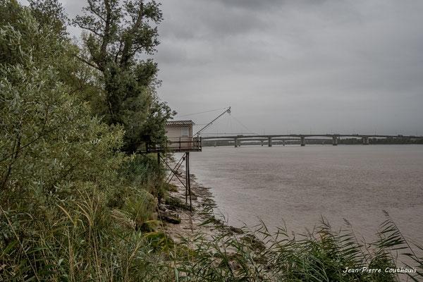 Depuis le pont routier Gustave Eiffel, Cubzac-les-ponts. Samedi 26 septembre 2020. Photographie HDR © Jean-Pierre Couthouis