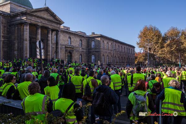 Départ 12h00 > Place de la Victoire > Pont Chaban-Delmas. Manifestation nationale des gilets jaunes. Place de la République, Bordeaux. Samedi 17 novembre 2018