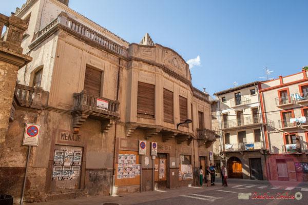 """Lubrifiants, ustensiles de cuisine, quincaillerie Dario"" Angle de rue 14, Calle Mayor, et Calle Alfonso el Battalador, Sangüesa, Navarra"