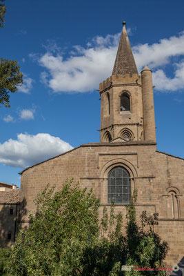 Iglesia Santa Maria la Real, au bord du fleuve Aragon /  Iglesia Santa María la Real, sobre el río Aragon, Sangüesa, Navarra