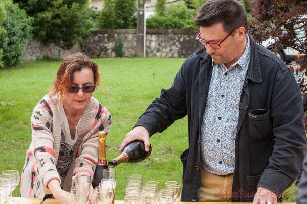 Stéphanie Ventura-Fornos, Patrick Pérez, adjoints au Maire, sont au service. Festival JAZZ360 2016, Quinsac