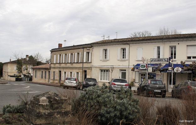 Le bourg, bar Le Liberté par Gaël Moignot. Cénac d'aujourd'hui. 13/01/2018