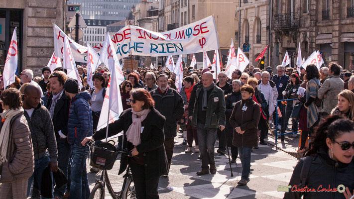 15h07 La France insoumise. Manifestation intersyndicale de la Fonction publique/cheminots/retraités/étudiants, place Gambetta, Bordeaux. 22/03/2018