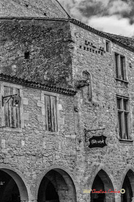 Relais de poste Henri IV. Cité médiévale de Saint-Macaire. 28/09/2019. Photographie © Christian Coulais