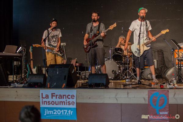"""""""Coup de chaud du batteur."""" K-Ja Band. Concert de soutien des Insoumis de la 12ème circonscription de la Gironde. 28/05/2017, Targon"""