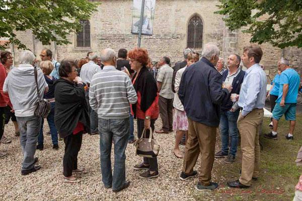 Jean-Philippe Guillemot converse avec l'ancien maire Guy Trupin accompagné d'Odette Trupin, ancienne députée de la Gironde. Festival JAZZ360 2016