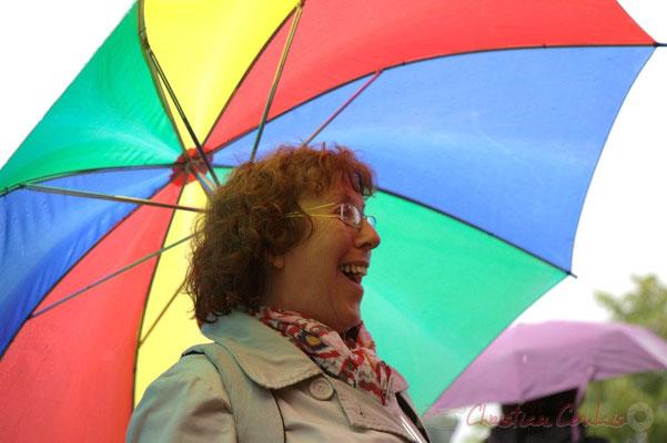 Annie Robert, bénévole Action Jazz et JAZZ360. Randonnée jazzy avec les Choraleurs. Festival JAZZ360 2012, Cénac, dimanche 10 juin 2012