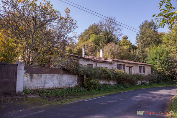 Habitat vernaculaire. Avenue de Latresne, Cénac, Gironde. 16/10/2017