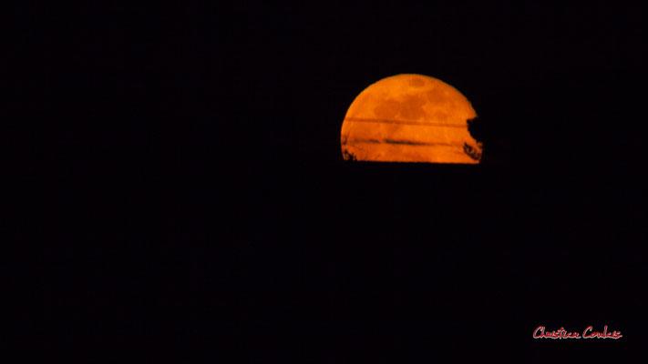 Super lune. Mercredi 8 avril 2020, 21h29mn58s. Cénac, Gironde, France.