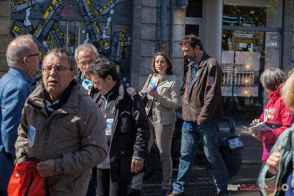 Vincent Feld (à droite), coordinateur des Insoumis de l'Entre-Deux-Mers. Manifestation du 1er mai 2017, avec la France Insoumise, place Gambetta, Bordeaux