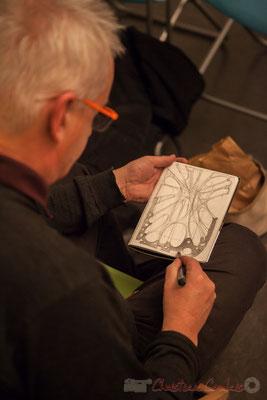 Eric Lefeuvre, artiste-peintre-architecte, dessine une seconde œuvre. Le Rocher de Palmer