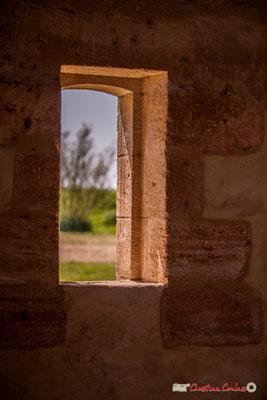 Fenêtre sur le village Sans-Pain, Île Nouvelle, Gironde. 06/05/2018