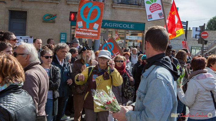 Muguet du 1er mai 2017 & manifestation...(sans grande conviction, cet entre-deux-tours, selon moi), cours d'Albret, Bordeaux