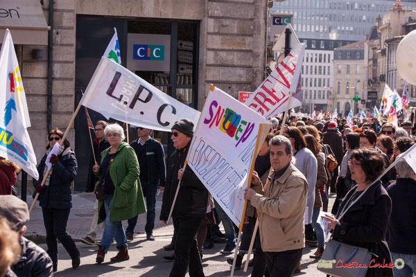 14h59 SNUEP (enseignement professionnel) Manifestation intersyndicale de la Fonction publique/cheminots/retraités/étudiants, place Gambetta, Bordeaux. 22/03/2018