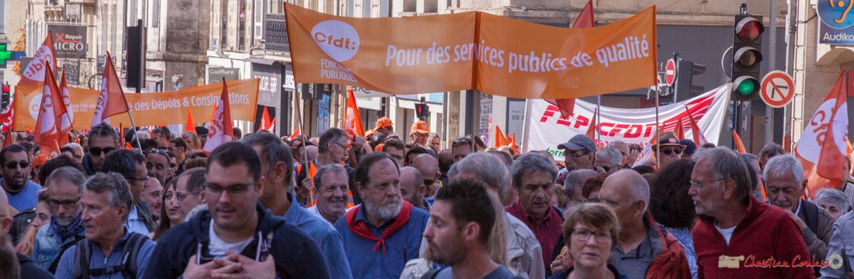 """C.F.D.T. """"Pour des services publics de qualité"""" Manifestation intersyndicale de la Fonction publique, place Gambetta, Bordeaux. 10/10/2017"""