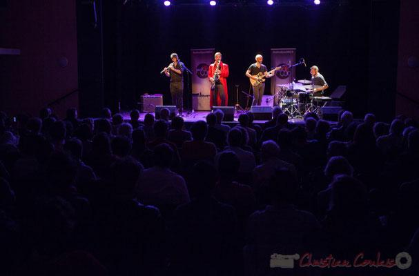 Les spectateurs de la salle sulturelle sont prêts à découvrir Sylvain Rifflet Quartet, Festival JAZZ360 2016, Cénac, 10/06/2016