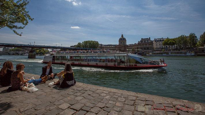 Pause-déjeuner, Quai des Tuileries, Paris 1er